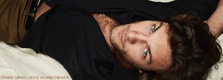 Kyle Schmid France - photo page
