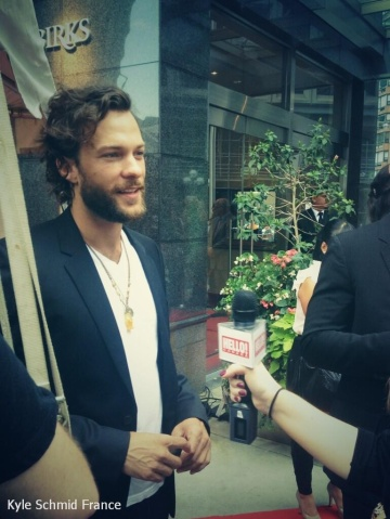 Kyle Schmid @ Birks Diamond Tribute-TIFF 11.09 (3)